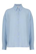 Long sleeve buttoned shirt