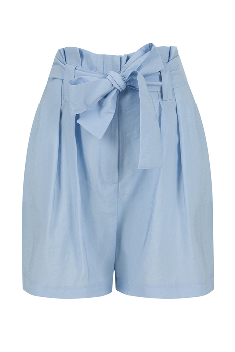 High-waisted shorts with belt and pockets